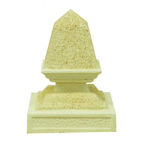 Remate de columna con forma de pirámide grande